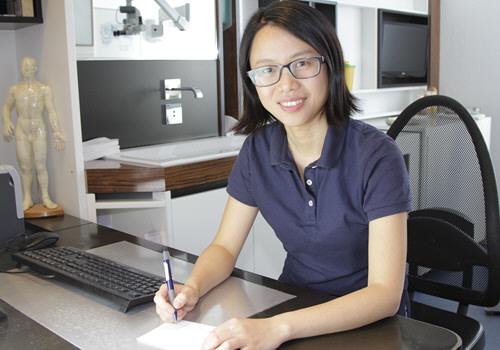 Frau Dr. med. Jun Wang